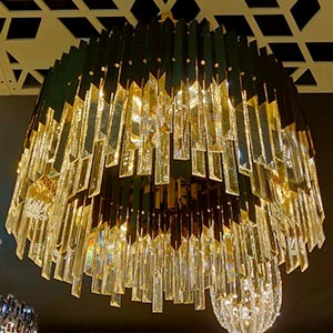 Chandelier in Crystal or Glass 2