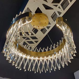 Chandelier in Crystal or Glass 3