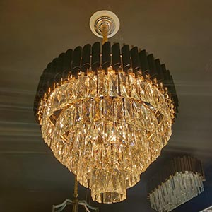 Chandelier in Crystal or Glass 4