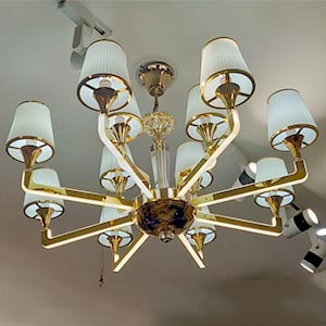 Chandelier in Crystal or Glass 5